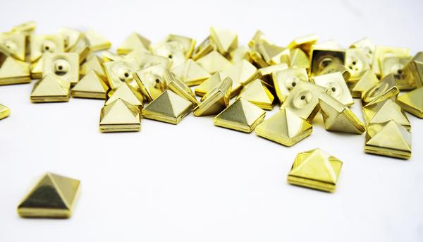 Grande piramide oro